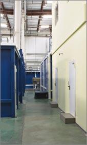 Дата-центр IBS DataFort организован по модульной схеме: технический модуль, двухэтажный резервный офис, операторский пост