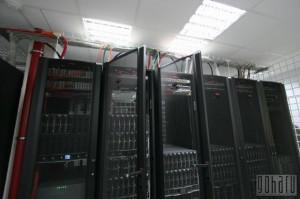 Серверные шкафы с серверами в  дата-центре «Траст-Инфо»