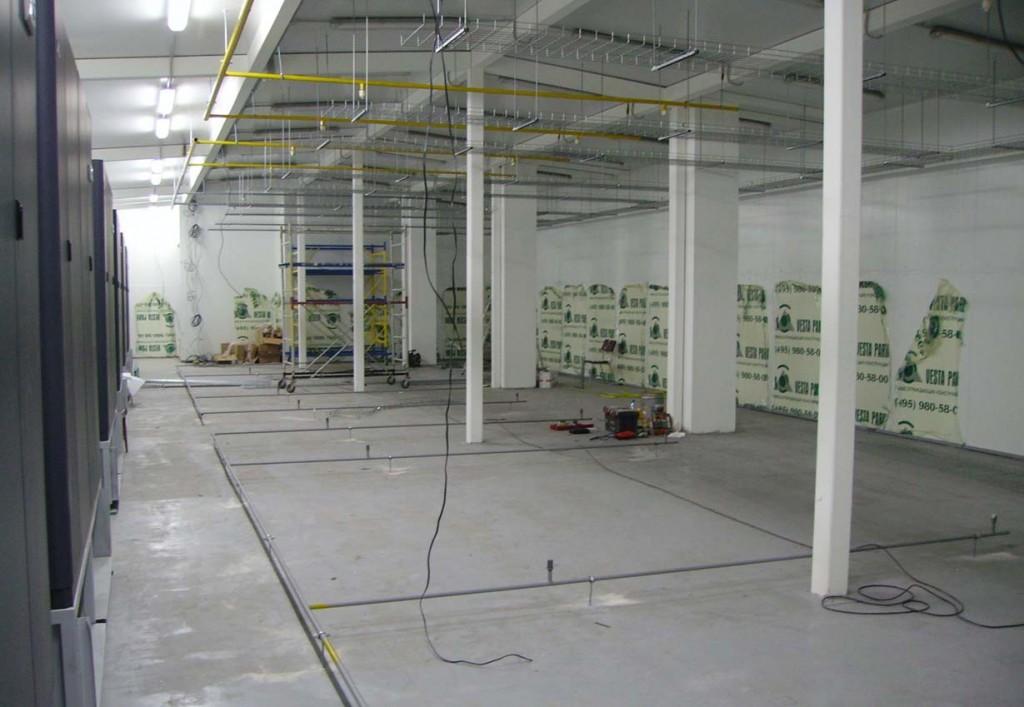 Устройство лотков под слаботочные кабеля