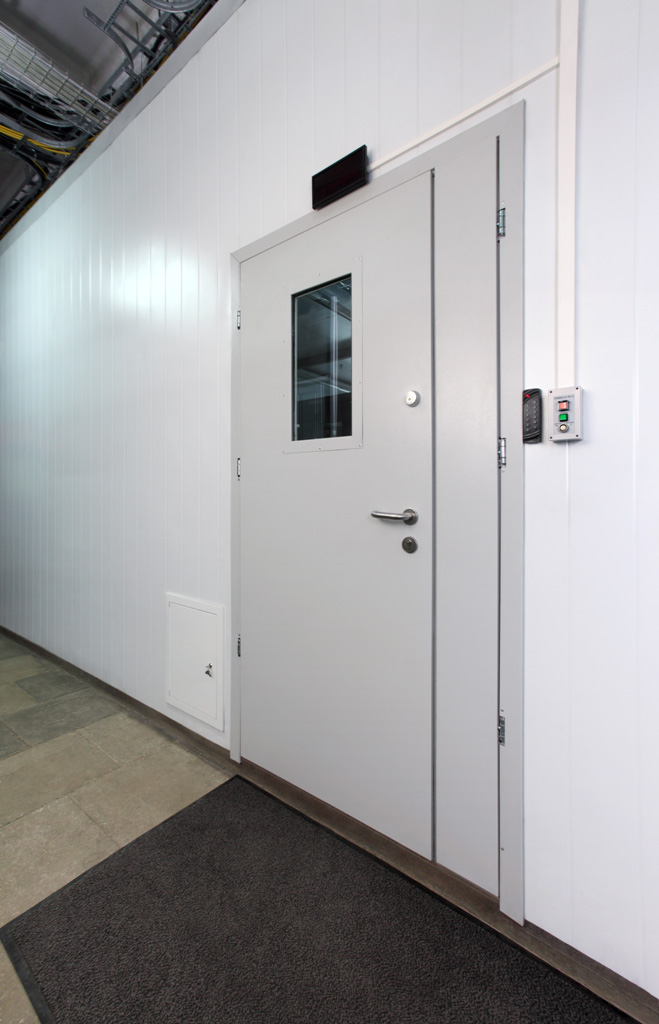 Вход в Модуль Дата-Центра Telehouse Caravan