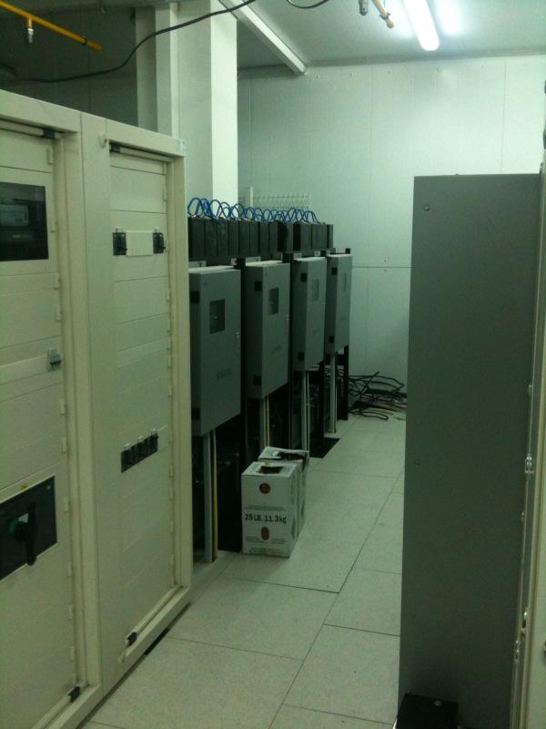 Экскурсия StoreData - ИБП, батареи, щиты