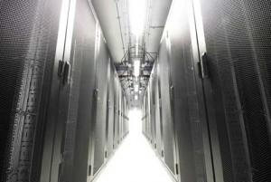 Холодный коридор в нутрии модуля Дата-Центра Capgemini