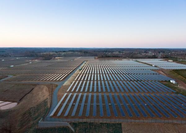 Apple солнечная ферма