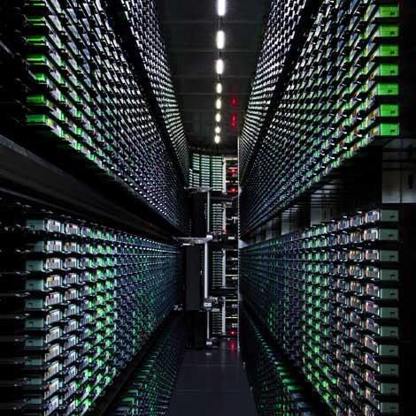 Архив ленточных накопителей в дата-центре Google