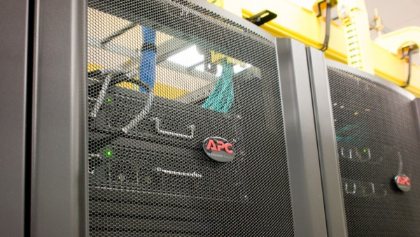 StorageReview-HP-DAS-Data-Center-Tour-APC