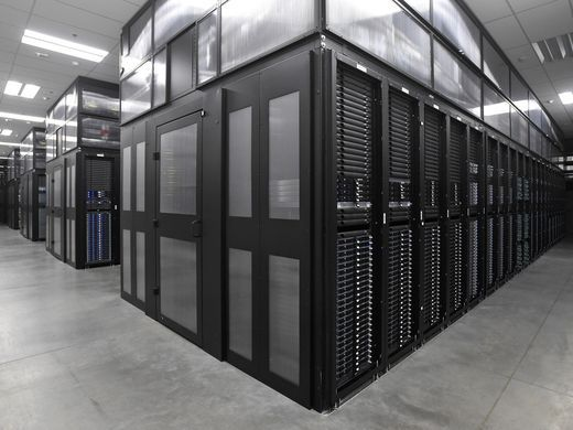 636517462745929525-Apple-Data-Center-1