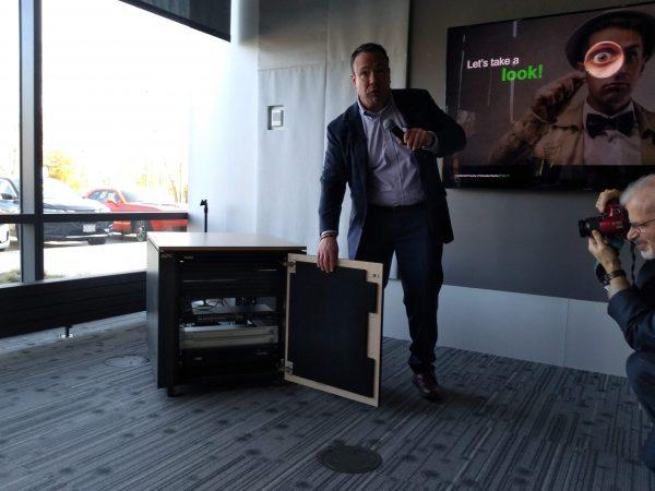 Schneider Electric предлагает новые стоечные решения