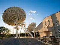 Фотоэкскурсия по дата-центру AlohaNAP на Гавайях с системой спутниковой связи